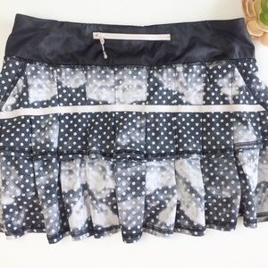 Lululemon   Pace-Setter Polka Dot Pleated Skirt